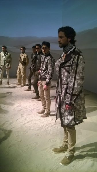 The Belstaff LCM SS16 presentation - Desert explorers - makeup designed by Maria Comparetto